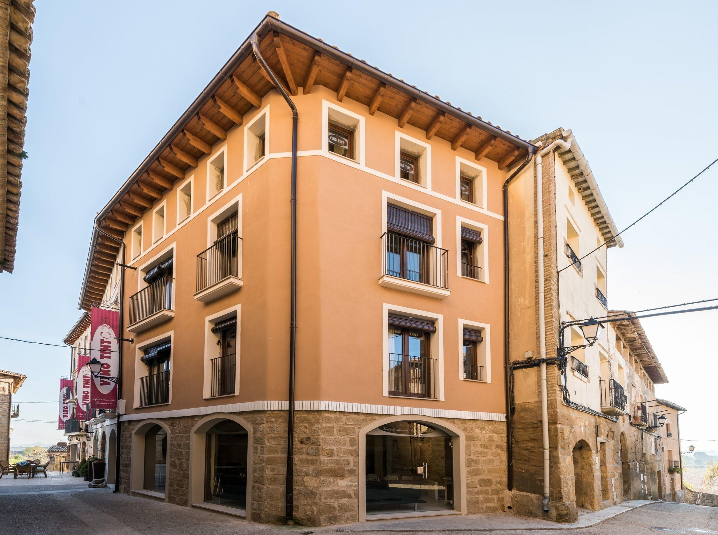Apartamentos vino tinto scaled e1587054331210 - Where to rest-Sierra y Cañones de Guara