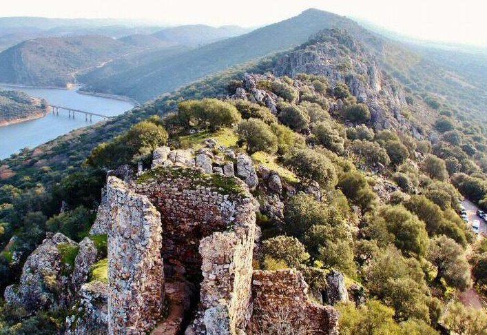 Castillo monfrague e1588270162587 - Parque Nacional de Monfragüe-Extremadura-España
