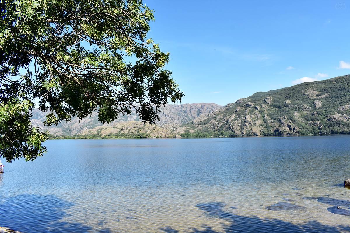 El lago de Sanabria - Lago de Sanabria Natural Park-Castilla y León-Spain
