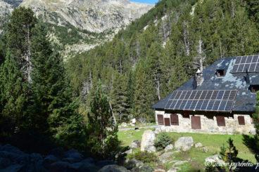 Estany llong Refuge 368x245 - Mountain Shelters Aigüestortes