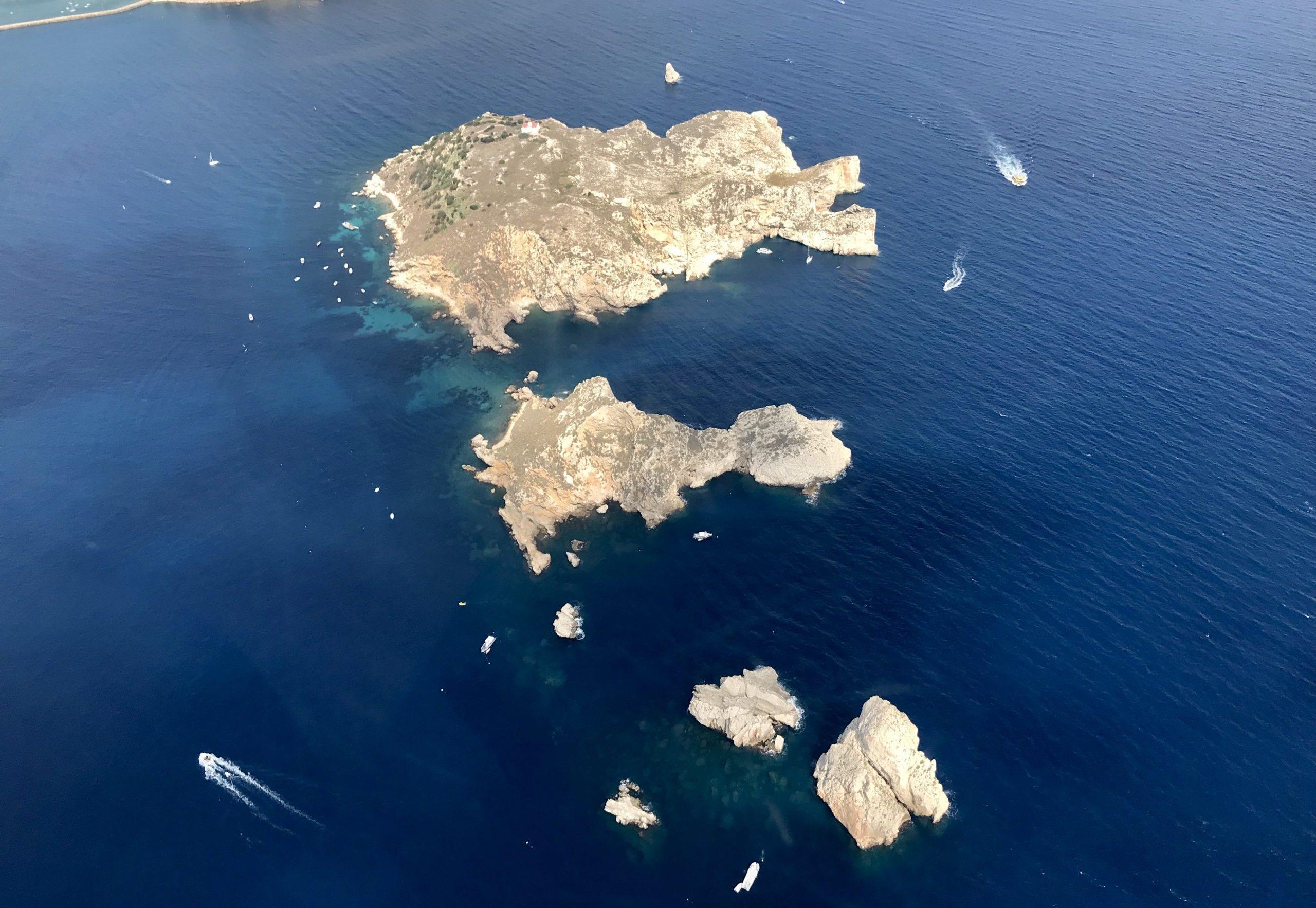 Les illes Medes scaled e1586875713563 - El Montgrí, Illes Medes i Baix Ter-Cataluña-España