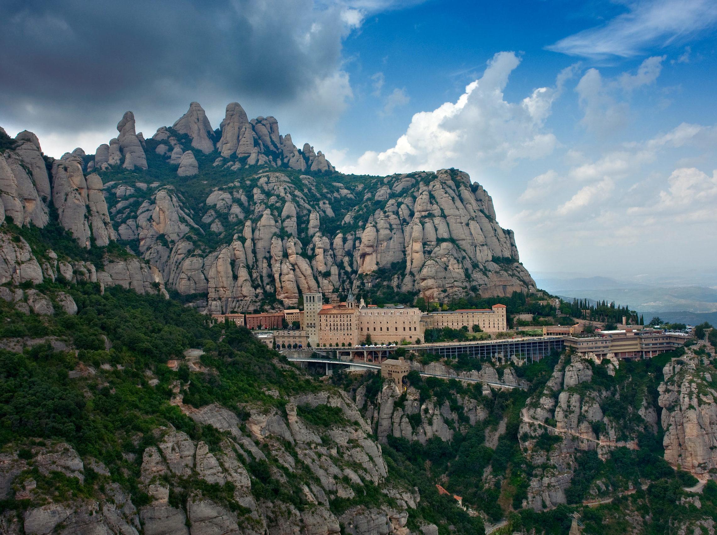 Montserrat scaled e1586949831356 - Montserrat-Catalunya-Espanya