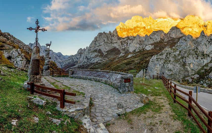Senderismo Picos de Europa e1587488555791 - Parque Nacional Picos de Europa-Asturias-España