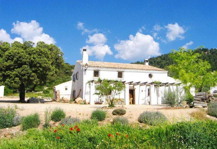casa cortijo cerros fuentes nuevas e1587924441664 - Where to rest-Sierra de Castril