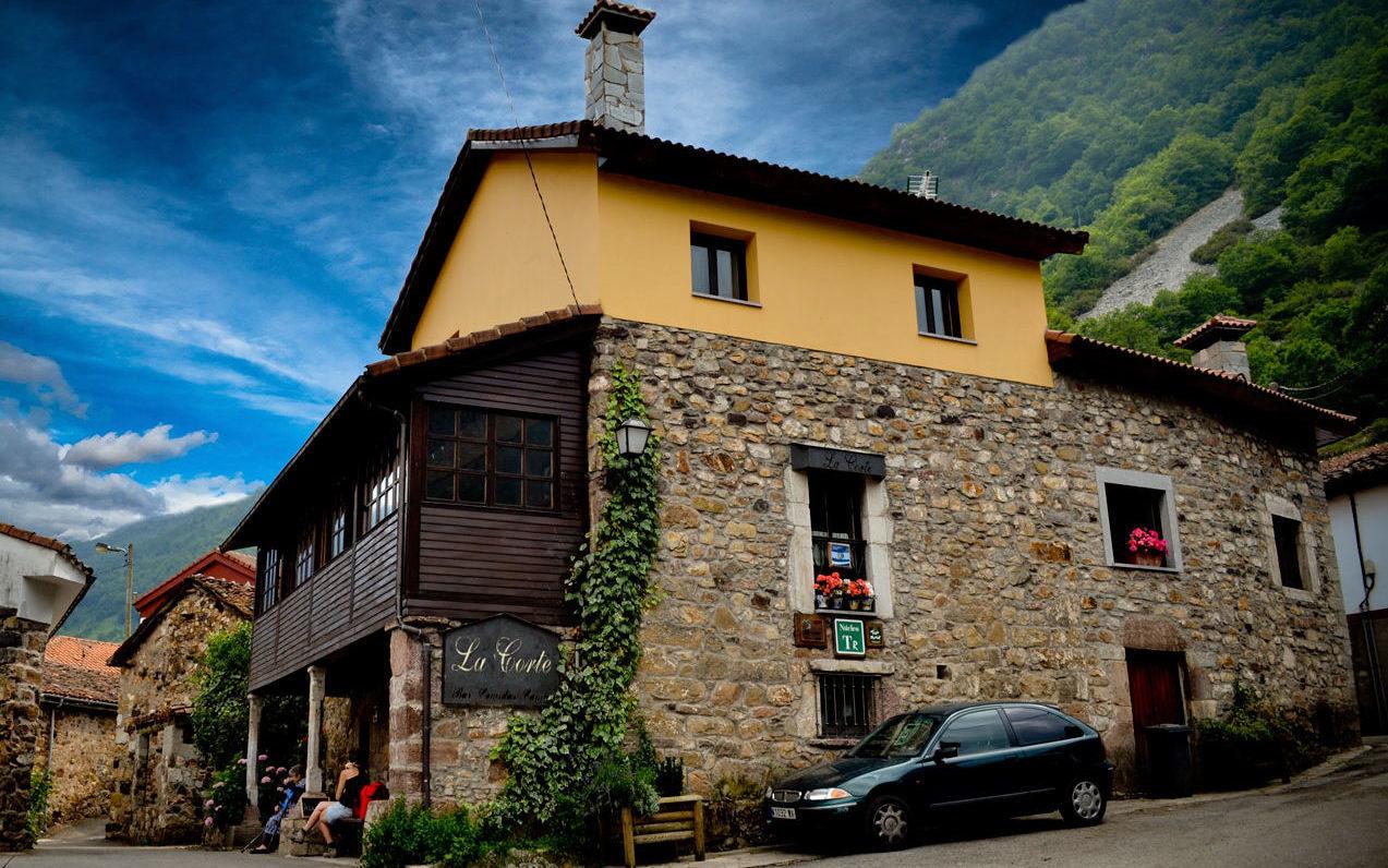 hotelrurallacorte e1587377908350 - Where to rest-Somiedo