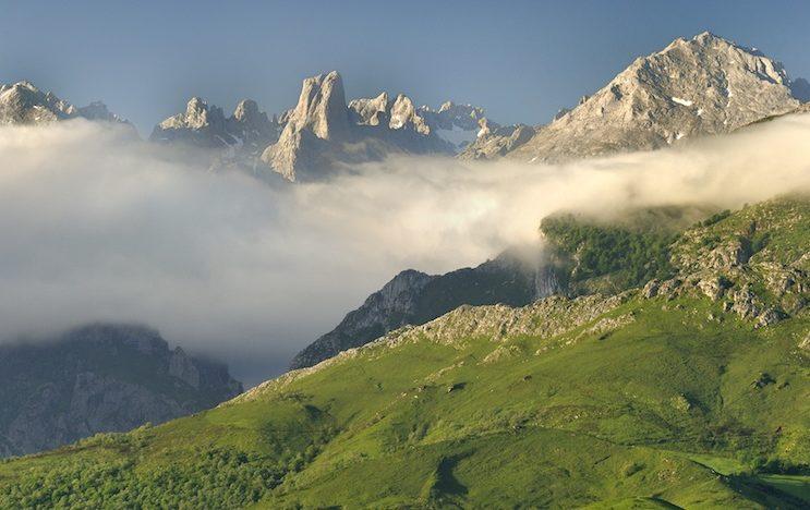ubiñas parque natural e1587484143170 - Parque Natural de Las Ubiñas-La Mesa-Asturias-España