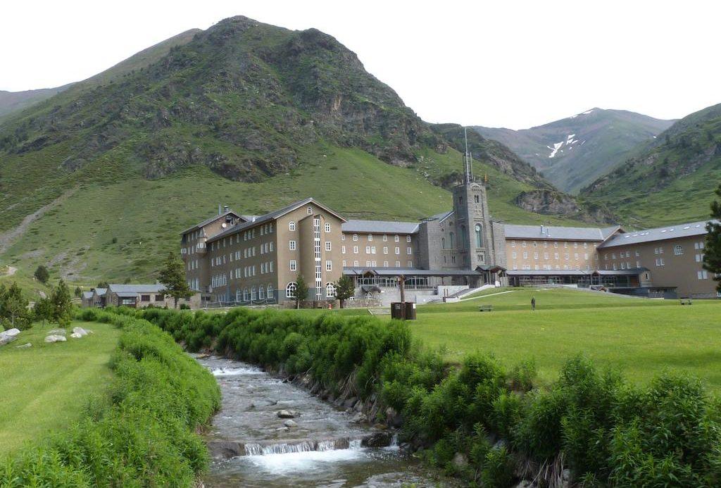 Hotel Vall de Nuria e1589029735231 - Where to rest-Cabeceras del Ter