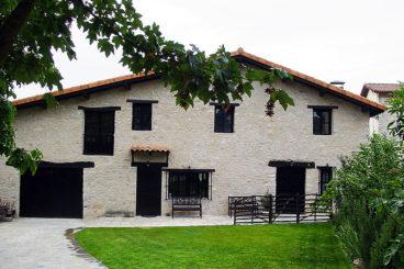 casaruralarkamo 368x245 - Where to rest-Valderejo