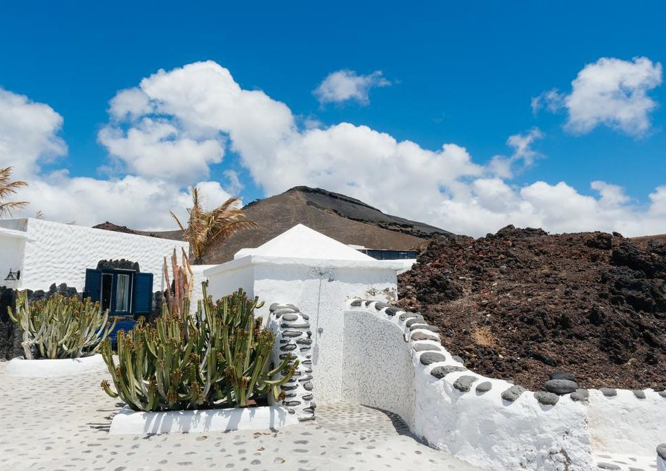 casaruralcaletondlegolfo e1589016452117 - Where to rest-Timanfaya