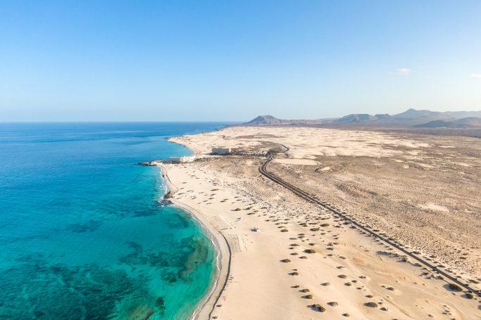 playa de corralejo canarias e1588961165988 - Parque Natural de Corralejo-Islas Canarias-España