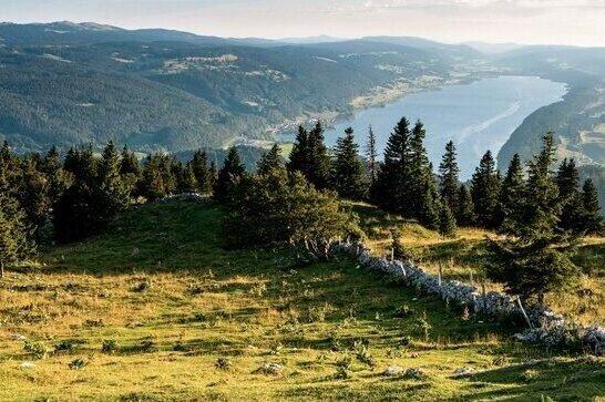 Parque Natural Regional del Alto Jura e1601674434838 - Parc Naturel Régional du Haut-Jura-Jura, Ain, Doubs-France